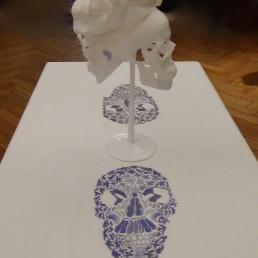 """Installation de la nappe et du chandelier : """"La Table Desservie"""""""